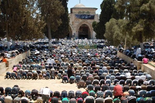 ننشر حصرياً أسماء المصلين للخروج عبر ايرز من قطاع غزة الى المسجد الأقصى الجمعة القادم