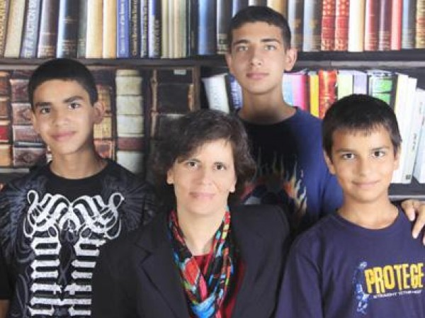 الدكتورة أنسام صوالحة...المرأة الأولى التي تحصل على رتبة أستاذ في علم الأدوية والسموم على مستوى الشرق الأوسط