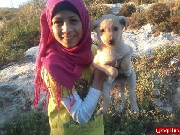 الطفلة استبرق: أصغر أسيرة مُصابة في العالم.. تحتضر جراء الإهمال الطبي وحرقة الشوق لأمها
