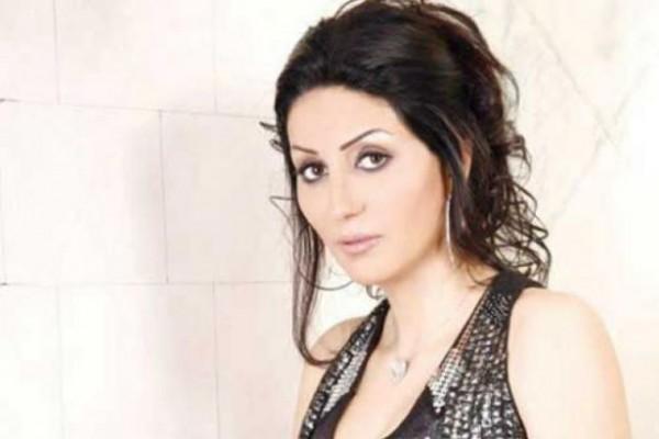 صورة وفاء عامر تذبح بنفسها عجلا في كواليس مسلسلها دنيا الوطن