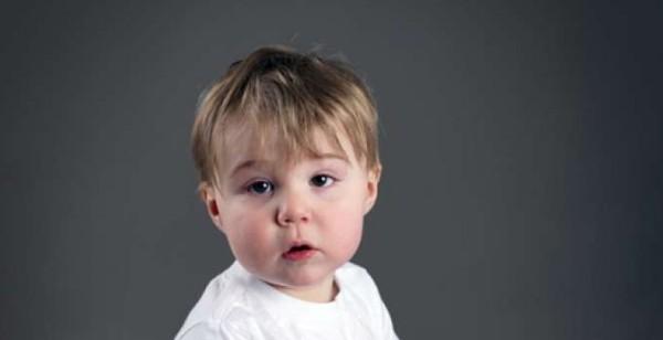 طفلي سنتان ولا يمشي.. ماذا أفعل؟