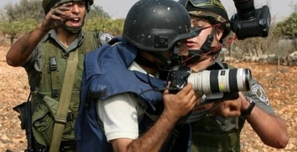 اتحاد الإذاعات والتلفزيونات الإسلامية: أكثر من (32) انتهاكاً إسرائيلياً بحق الصحفيين خلال فبراير