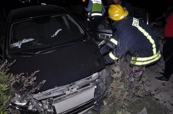الدفاع المدني ينقذ أربع إصابات بحادث تصادم ثلاث مركبات شمال طولكرم