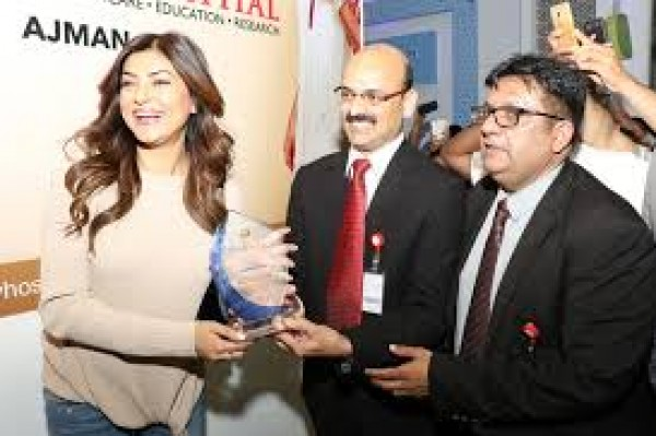 Bollywood celebrity and former miss universe sushmitha sen meets bollywood celebrity and former miss universe sushmitha sen meets greets patients at thumbay hospital ajman m4hsunfo