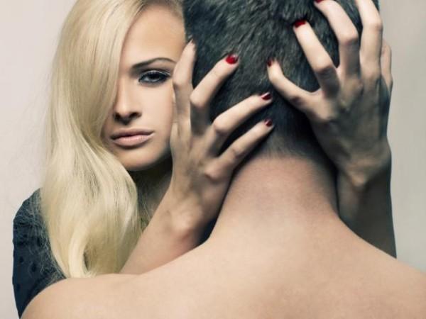 هل تمتلك أحدها ... 8 أشياء تجذب النساء نحو الرجل ؟