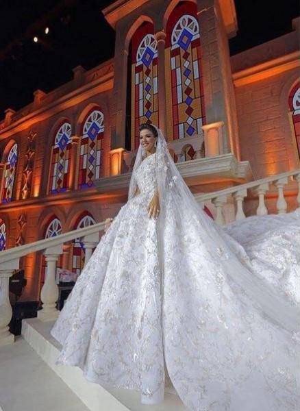 0c8743d12 بالصور .. 3 فساتين زفاف خيالية لعروس نجل وزير لبناني | دنيا الوطن