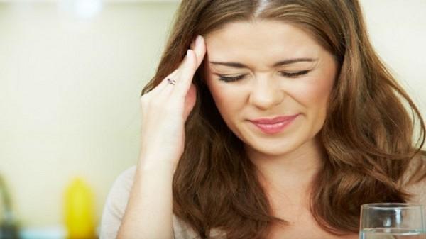 الصداع النصفي لدى النساء يعرضهن لأمراض القلب