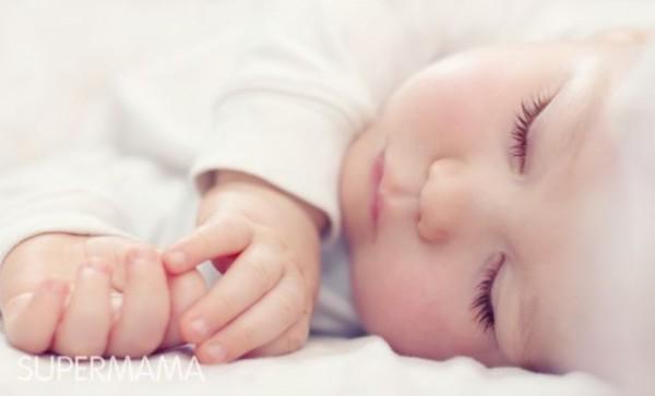 هل الرضعات المكثفة تجعل الطفل ينام لفترة أطول؟