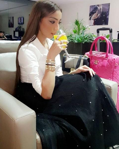 بالصور دنيا بطمة تتلقى هدية ملكية من أميرة المغرب
