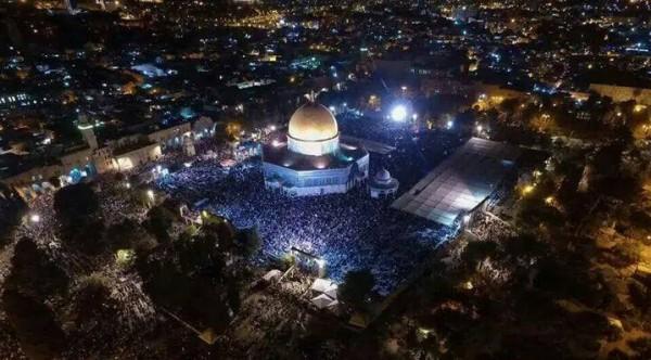 المسجد الأقصى في ليلة السابع والعشرين من رمضان | دنيا الوطن