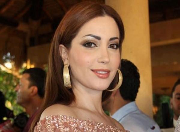 نسرين طافش تعود لجذورها الجزائرية بملابس العيد