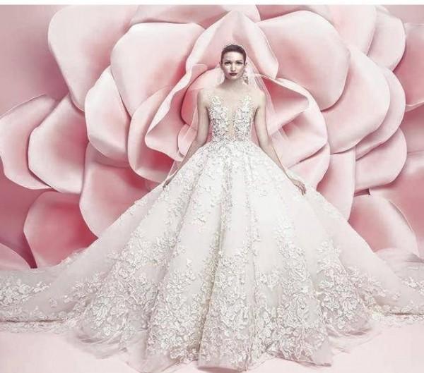 c0e13a839 المشاهير | فساتين زفاف فخمة من مايكل سينكو تنتظر عروس 2016