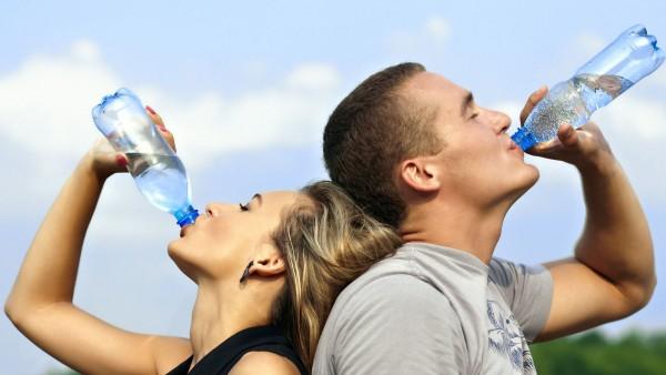 دراسة حديثة الماء الجسم تؤدي 9998747651.jpg