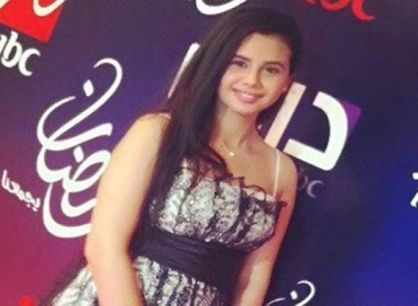 منة عرفة تحتفل بعيد ميلاد صديقها لاعب الأهلي وفستانها الجريء يخطف الأنظار