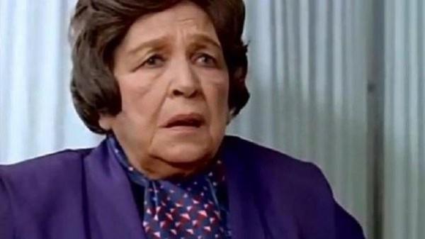 في ذكرى وفاتها صورة نادرة لأمينة رزق بـ المايوه على شاطئ البحر