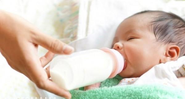 هل القشط عند الرضع علامة مرضية؟