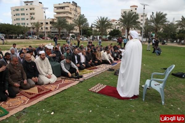 الأوقاف تقيم صلاة الاستسقاء بساحة الكتيبة في غزة