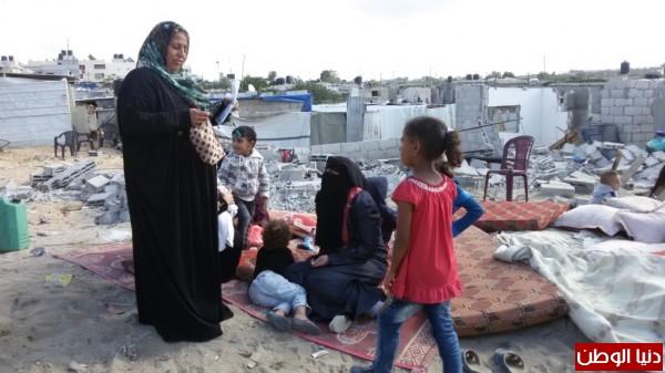 خانيونس:40 لاجئا يعانون منازلهم والجهات 9998779378.jpg