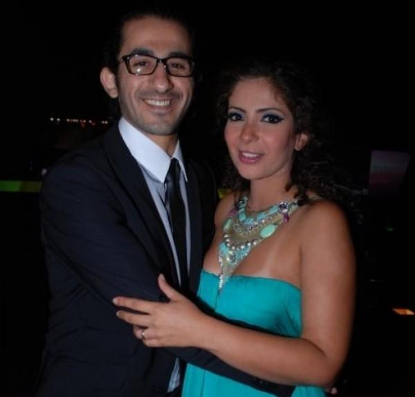 صورة محمد هنيدي يسخر من رومانسيّة منى زكي