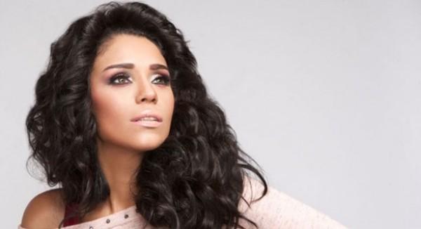 أمينة تنشر صورة تثير دهشة جمهورها بسبب عمليات التجميل المكثفة
