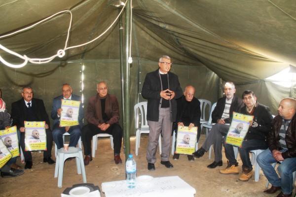 قراقع: إسرائيل تسعى لنزع الصفة القانونية عن الأسرى