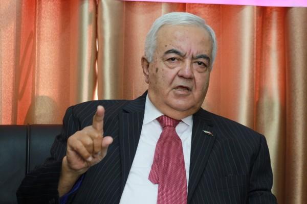 أبو شهلا: لست مسؤولاً عن مانشيتات تلفزيون فلسطين.. ولم أتفوه بكلمة واحدة تنال من شرفاء المقاومة