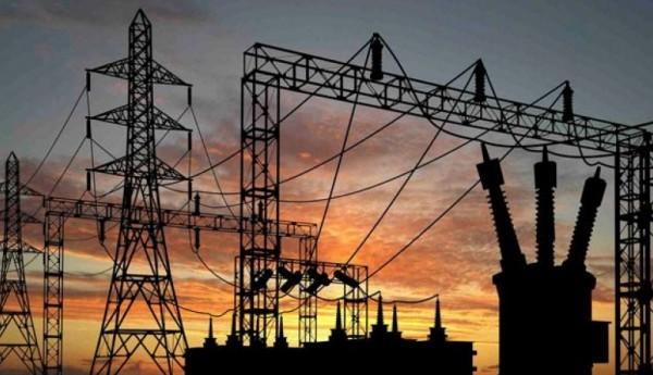 مشاريع شركة الكهرباء للطاقة البديلة.. حل للأزمة أم استثمار بها؟