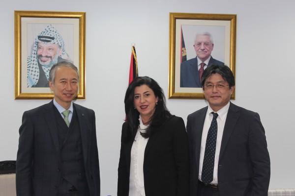 وزيرة الاقتصاد الوطني تبحث مع وفد ياباني سبل تعزيز علاقات التعاون المشتركة