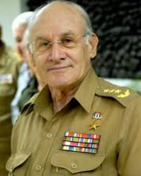 """د.عودة ينعى أحد وجوه الثورة الكوبية """" وزير الداخلية الكوبي"""""""