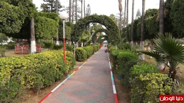 Video: The municipality park ... a ticket to enter and close the walls