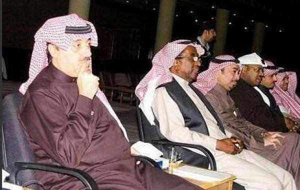 """الأمير متعب يستقبل الشاعر """"صالح الشادي"""""""