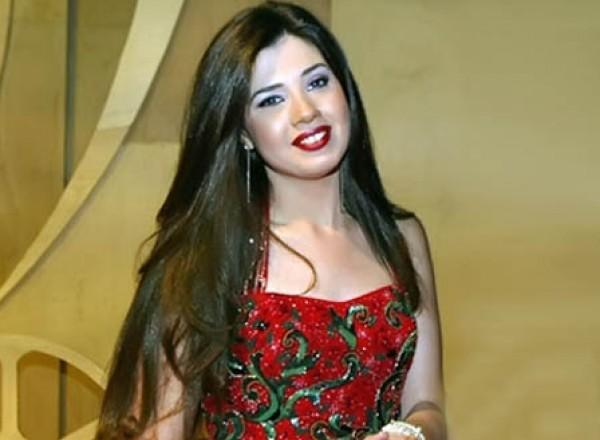 رانيا فريد شوقي تسخر من سمنتها وهي طفلة