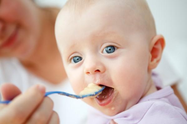 أهم الأغذية المفيدة لطفلك