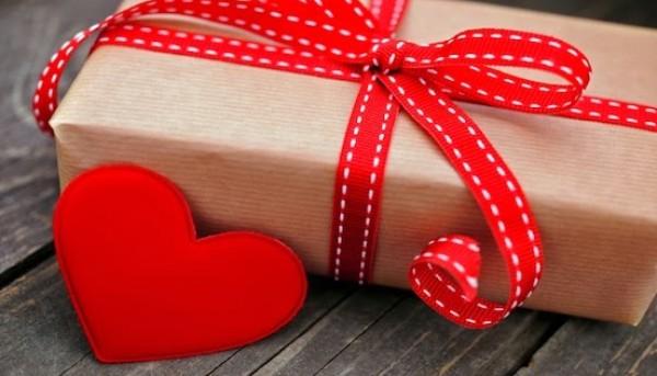 32e3e469d9e1b في عيد الحب من الأكثر كرماً الرجل أم المرأة؟