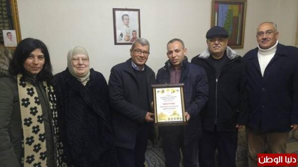 قراقع وفارس: نسبة الاصابة بالجلطات تصاعدت في سجون الاحتلال