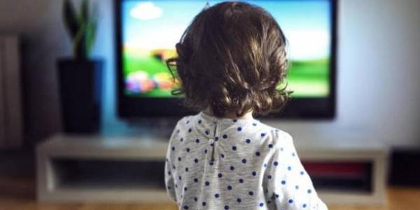 التلفاز يزيد من خطر اصابة الأطفال بالسكري