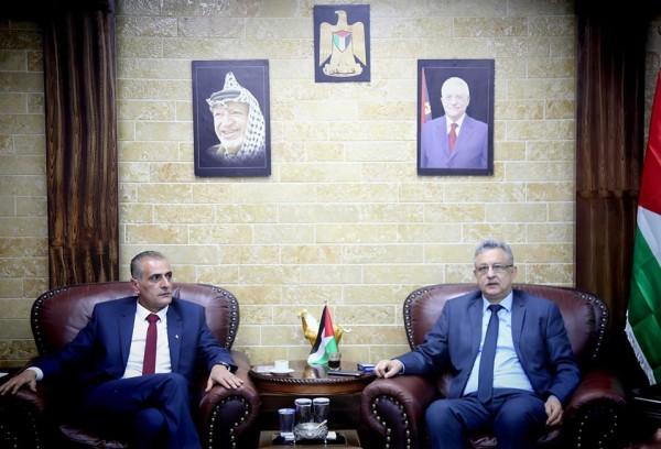 محافظ طولكرم يستقبل وفدا من المجلس الاعلى للشباب والرياضه