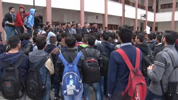 على خلفية تحويلها لأساسية .. احتجاجات طلابية بمدرسة عرفات للموهوبين