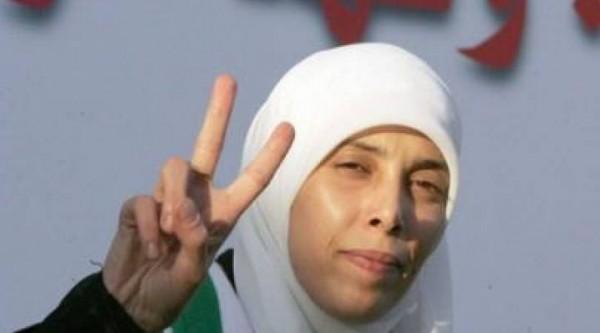 """أحلام التميمي لـ""""دنيا الوطن"""": قتلت 15 إسرائيلياً.. وأتعرض لتهديدات بالإغتيال"""