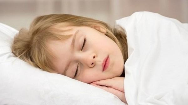 أسباب انقطاع نفس الأطفال أثناء النوم