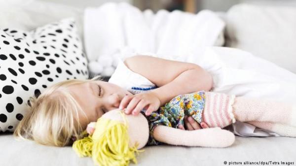 """""""التنويم المغناطيسي"""" هو الحل لتسكين آلام البطن عند الأطفال"""
