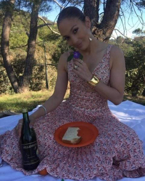 تقرير يكشف ماتفعله جينيفر لوبيز لتبدو في الـ27 من عمرها!