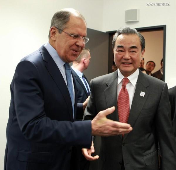 إلى جانب روسيا..الصين مستعدة للمساهمة في التسوية السياسية بسوريا