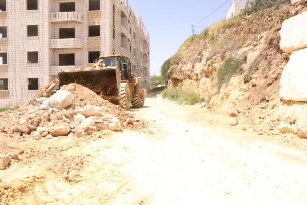 """بلدية الخليل تواصل إعادة تأهيل وتوسعة شارع """"واد الجوز"""""""