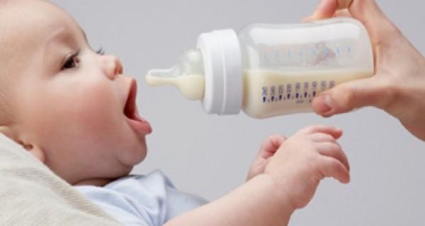 نصائح لاختيار الحليب المناسب لطفلك