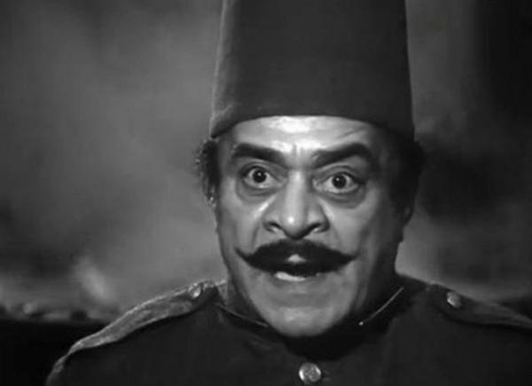 توفيق الدقن الممثل الذي ماتت أمه بسبب شره