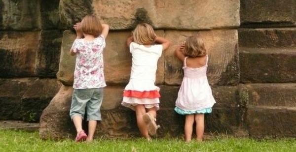 مأساة تهز لبنان.. وفاة 4 أطفال بطريقة مروعة وبطء شديد!