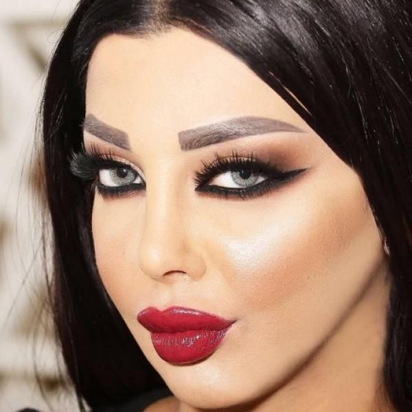 رولا يموت تنشر صورتها بنفسها قبل عمليات التجميل