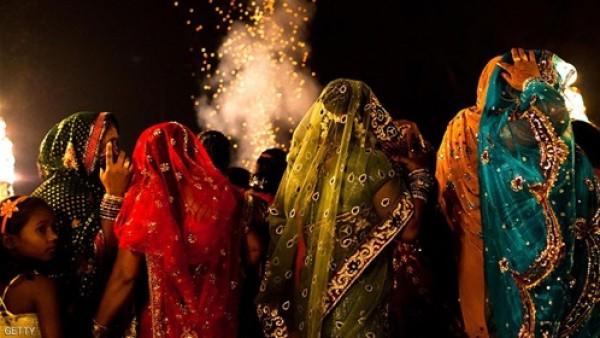 الأفلام الهندية تتحقق ..فتاة تخطف حبيبها في حفل زفافه!