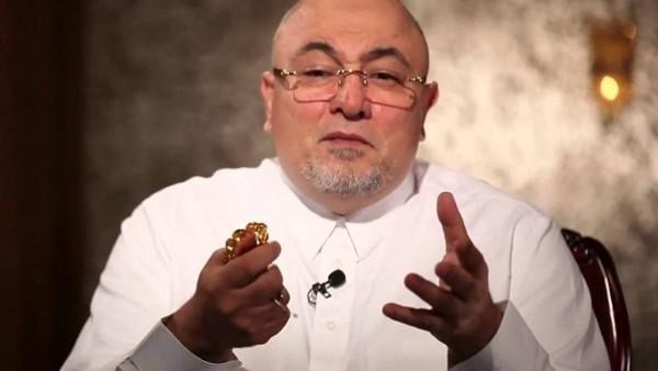 خالد الجندي يوضح حكم الإفطار عن طريق الخطأ في رمضان